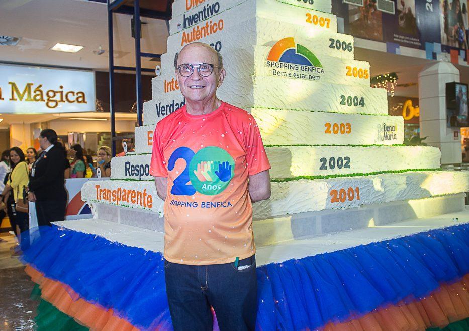 Aniversário do Shopping Benfica tem bolo de 20 andares e cordel declamado; veja as fotos