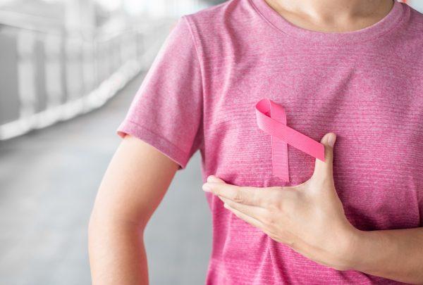 Outubro Rosa: Campanha dos shoppings RioMar arrecada doações