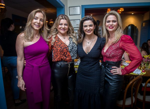 'Confra das Bellas' reúne amigas no D'Abelle Bistrô