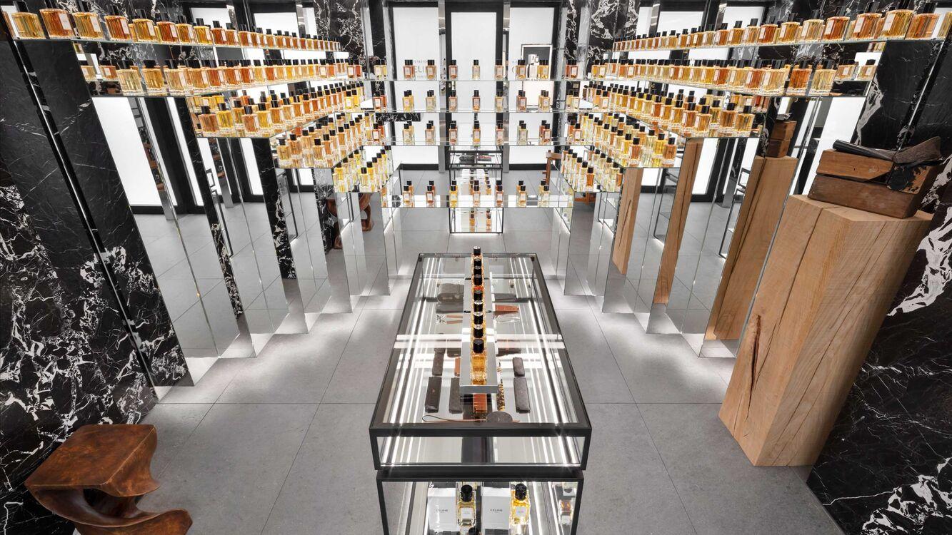 Celine inaugura boutique de alta perfumaria em Paris com coleção assinada por  Hedi Slimane