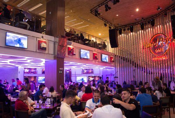 Hard Rock Cafe Fortaleza tem Black Friday com chopp e sanduíche em dobro