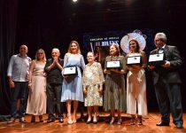 Casa de Vovó Dedé homenageia Onélia Santana e outras personalidades por contribuição à entidade