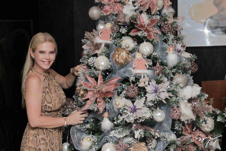 Décor de Natal: Branca Mourão se inspira em flores e paleta de cores festivas