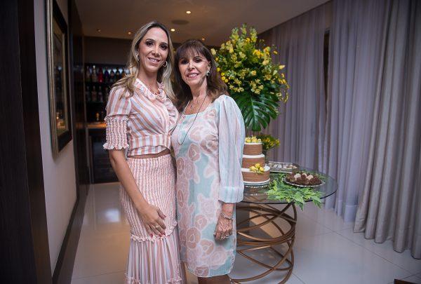 Melânia Torres celebra aniversário com festa surpresa; veja os cliques