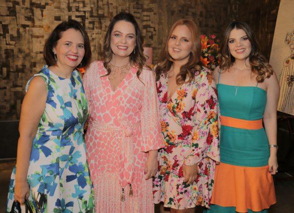 Erika Girão celebra seus 50 anos