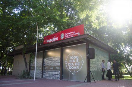 Pró-Hemoce realiza ação de incentivo à doação de sangue na Praça das Flores