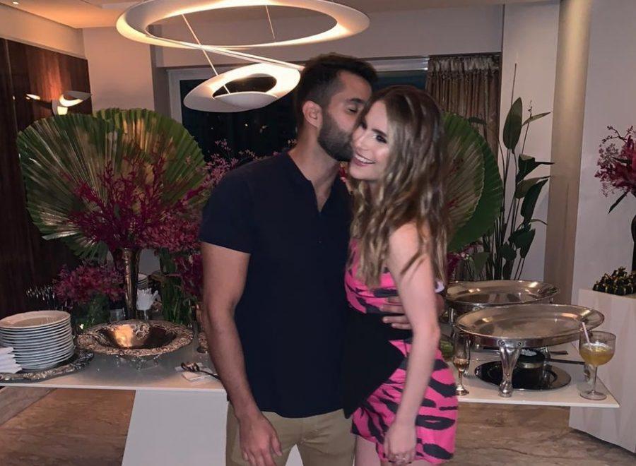 Lara Linhares ganha festa surpresa do namorado Renan Azevedo; confira os detalhes