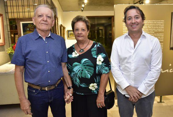 Galeria Sculpt recebe exposição 'Barrica' e relança livro em homenagem ao artista