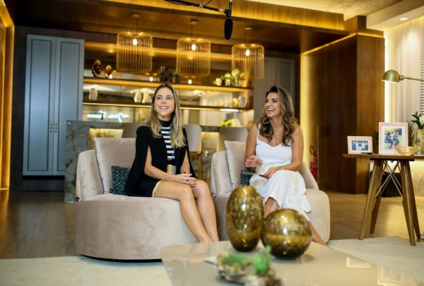 Márcia Travessoni e Mirella Freire fazem bazar no Donna Salon; veja as peças