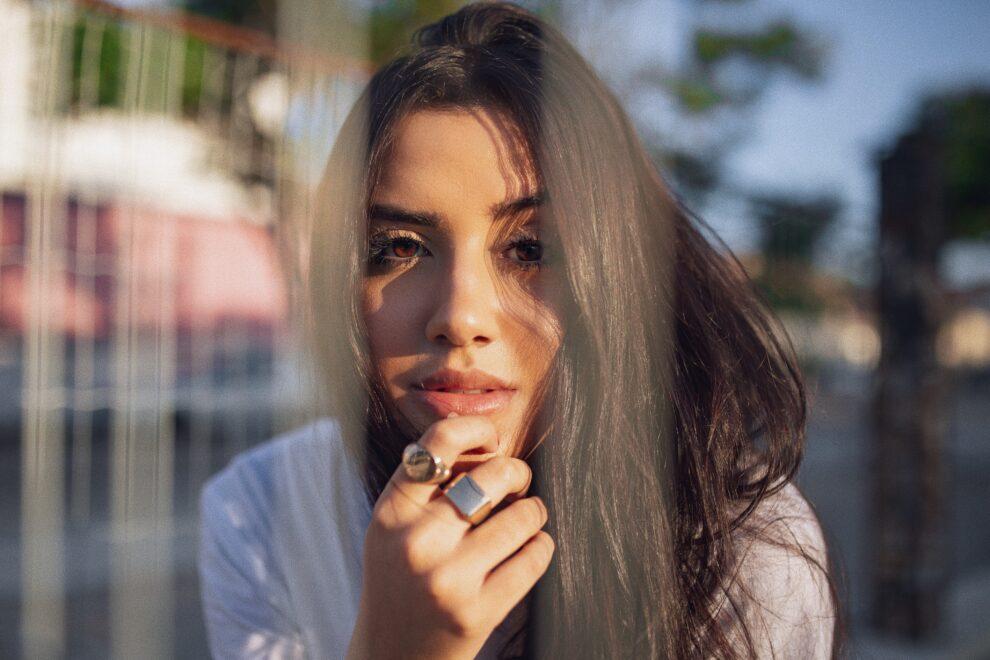 Isabela Gaby se destaca como fotógrafa de moda e assina campanha para marcas como PatBo