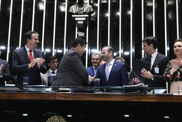 Prisco Bezerra toma posse como senador; parlamentar ocupa a vaga de Cid Gomes
