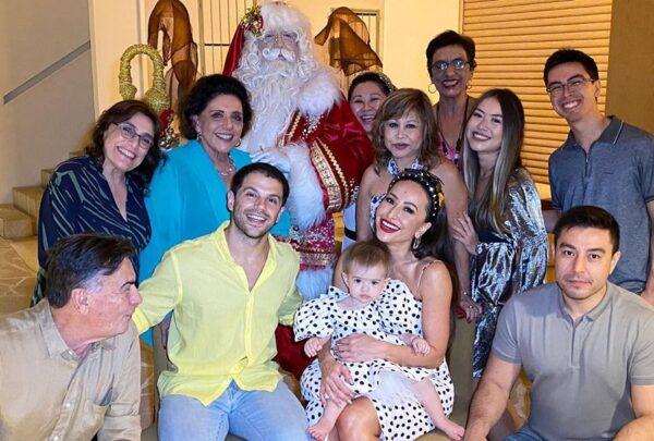 Famosos celebram Natal em família