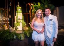 Branca e Racine Mourão celebram nova idade em White Party tropical