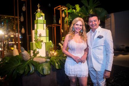 Branca e Racine Mourão celebram nova idade da arquiteta em White Party tropical