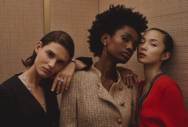 Chanel lança novas joias da coleção Camélia e relógio em edição limitada
