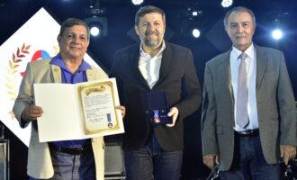 Élcio Batista é homenageado  pela Caixa Beneficente dos Militares com a Medalha Djalma Baima