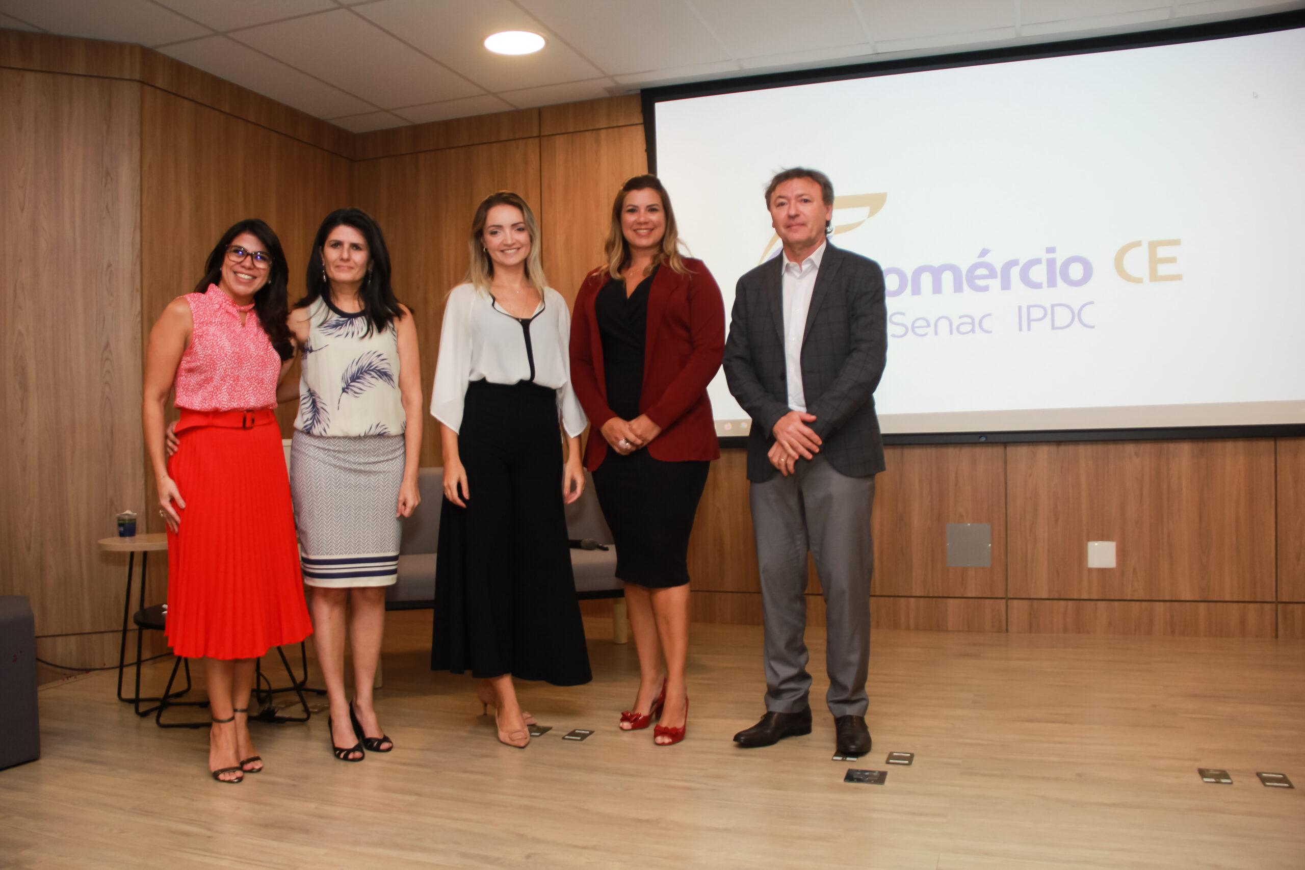 Fecomércio Ceará homenageia empresários e discute futuro econômico do país em 2020