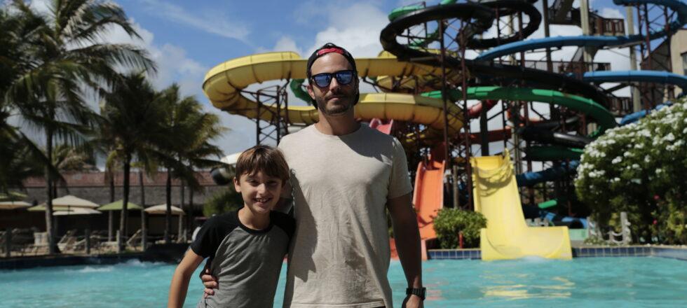 Thiago Rodrigues curte férias em Fortaleza e diz que a casa dele 'está em Portugal'