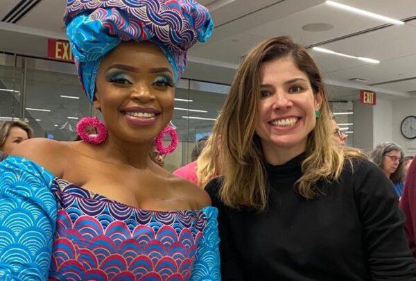 Nos Estados Unidos, Carol Bezerra encontra neta de Nelson Mandela e palestra sobre ações de mobilidade