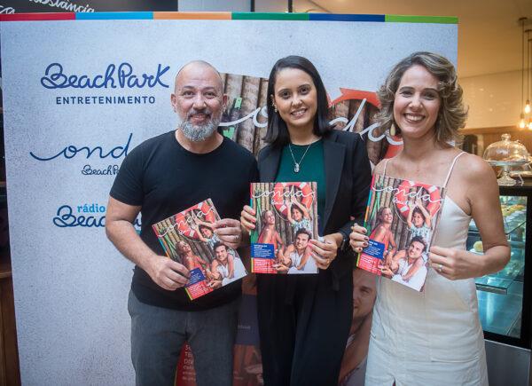Revista Onda Beach Park chega à 13ª edição com a família de Aline Wirley na capa