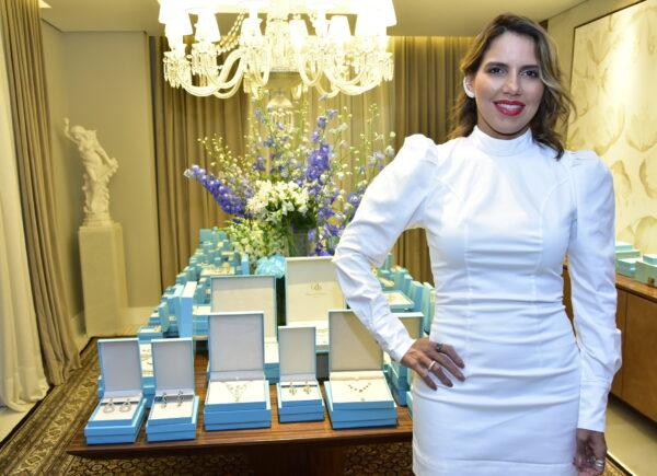 Ana Carolina Fontenele lança coleção da Diamond Design com chaves de desejos