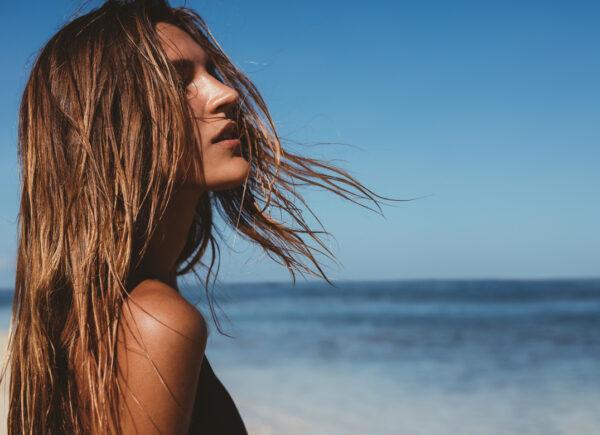 Como cuidar do cabelo durante e após o período carnavalesco
