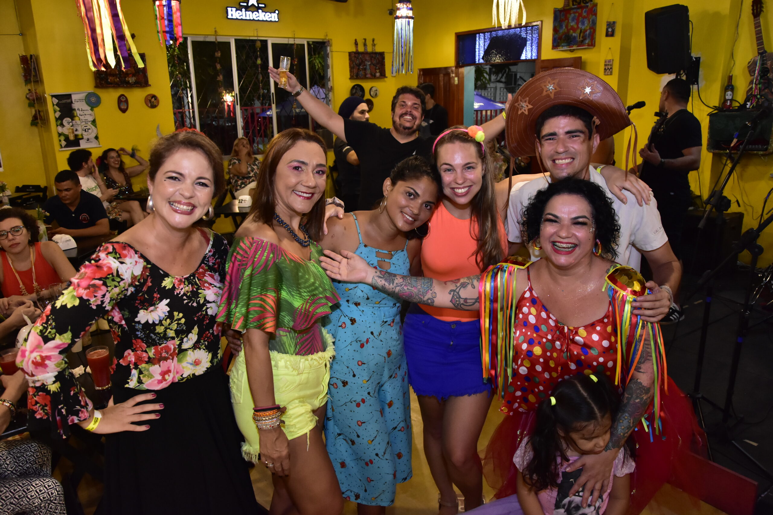 Iprede faz Carnaval Solidário para arrecadar doações; veja imagens do evento