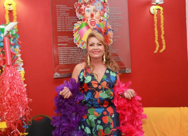 Inês Cals celebra aniversário em clima de Carnaval