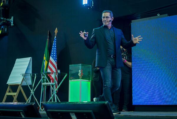 Paulo Vieira abre o maior treinamento de inteligência emocional do mundo