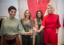 Ana Paula Daud recebe clientes em lançamento de coleção da Twenty Four Seven
