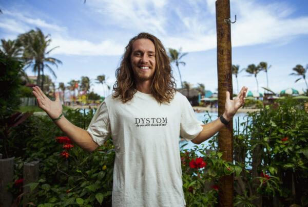Vitor Kley promete show com energia máxima no Beach Park