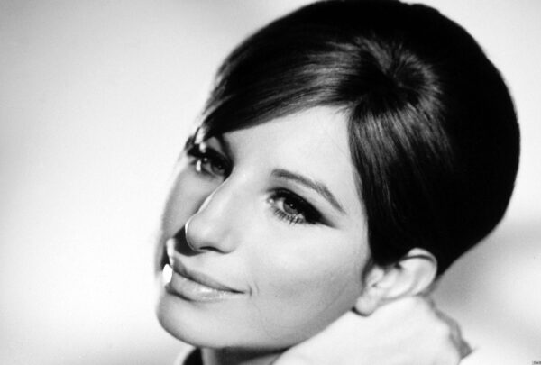 Playlist MT: lista de clássicos celebra aniversário de Barbra Streisand