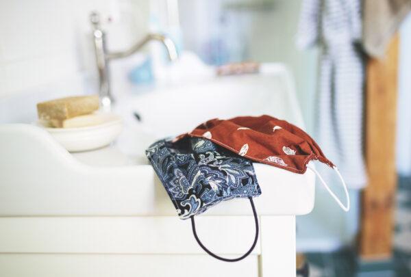 Médica ensina a fazer máscara de tecido em casa; veja tutorial