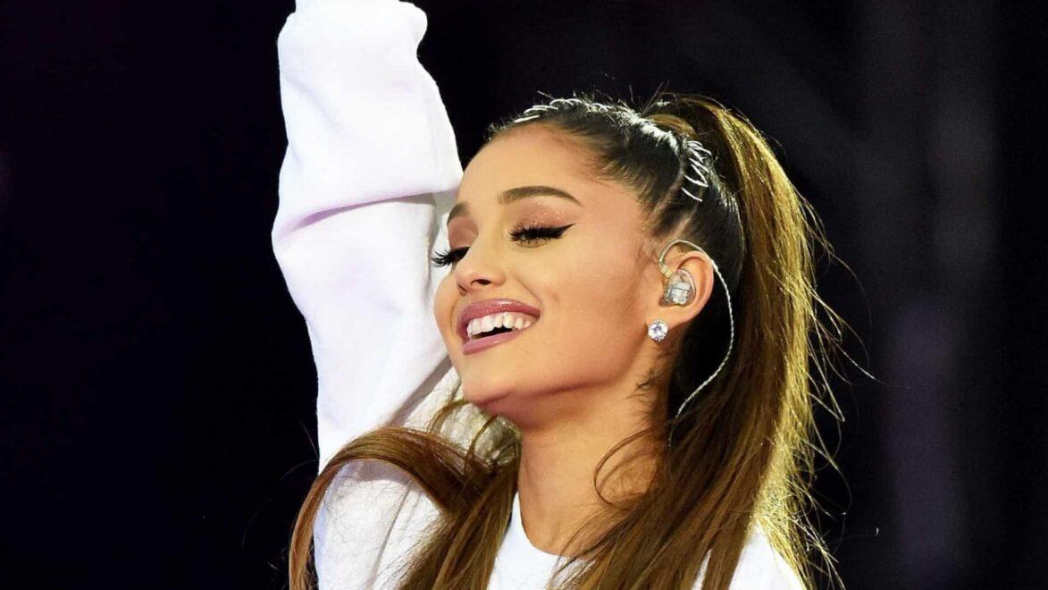Ariana Grande e Justin Bieber lançam clipe juntos e mostram fãs dançando em casa