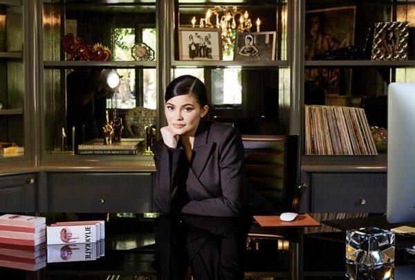 Forbes diz que Kylie Jenner mentiu e não é bilionária