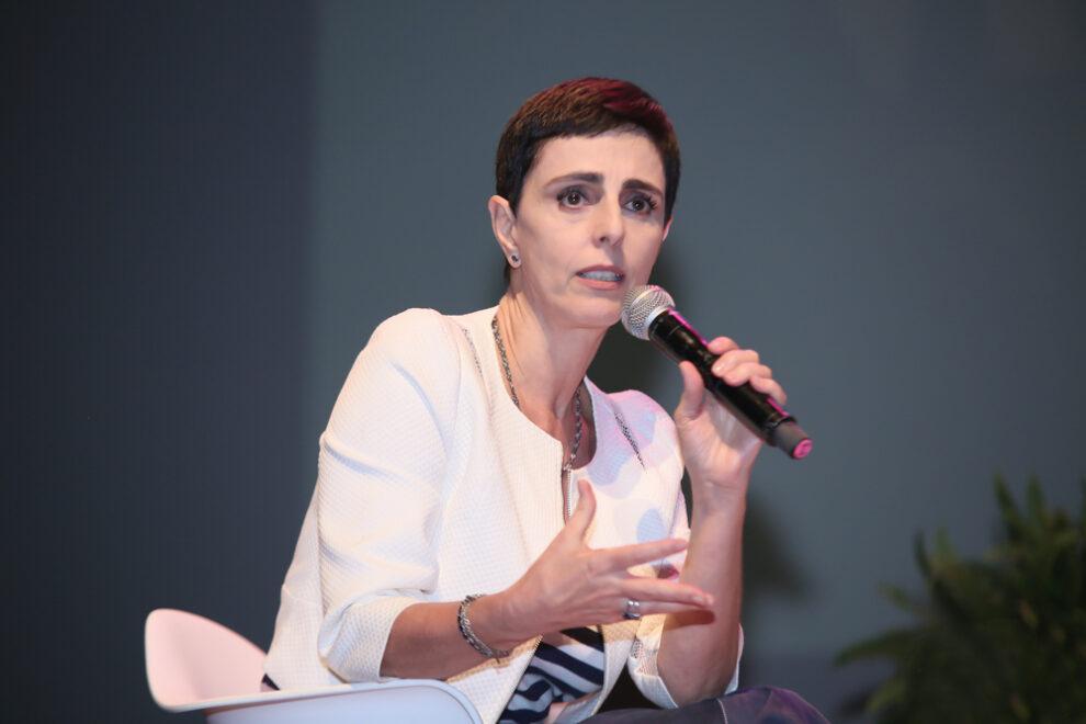 'A moda tem uma capacidade de mobilização', diz Lilian Pacce em live com Márcia Travessoni