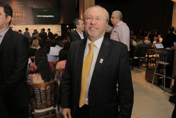 UFC distribui 6 mil chips para estudantes com vulnerabilidade socioeconômica