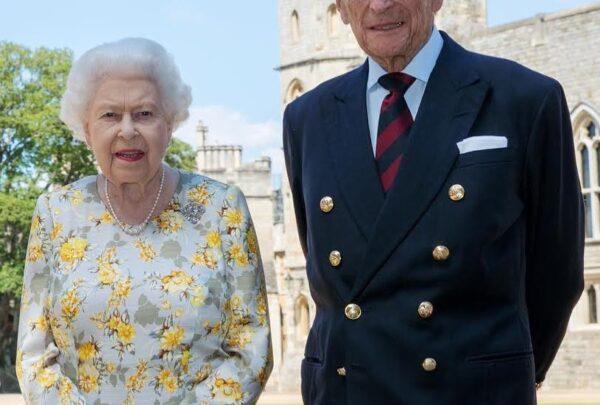 Príncipe Philip completa 99 anos isolado no Castelo de Windsor