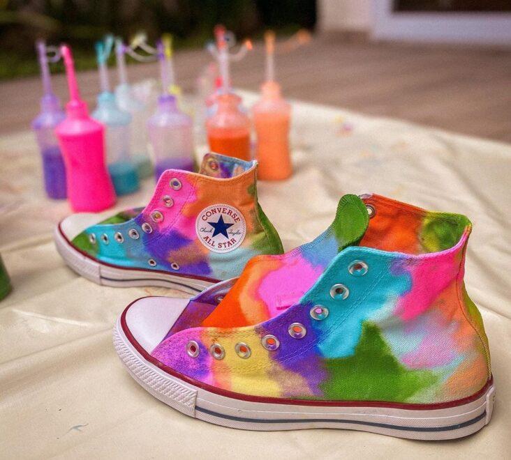 Aprenda a técnica de tingimento tie dye para fazer em casa