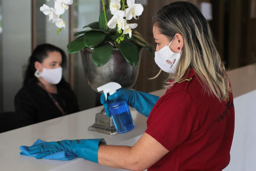 Sanitização, limpeza e ventilação são essenciais para evitar propagação do coronavírus