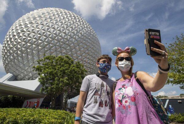 Parques da Disney em Orlando reabrem com capacidade reduzida