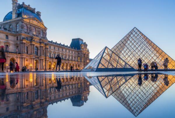 Louvre volta a funcionar com 70% do museu aberto ao público