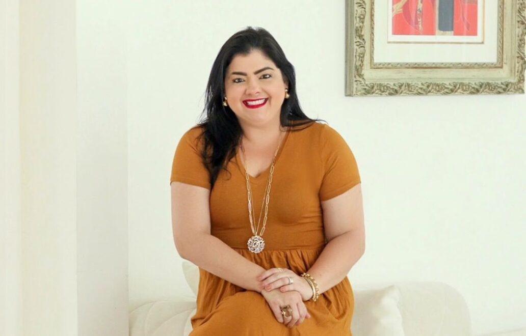 Vivi Almada testa look de influencers e incentiva autoaceitação
