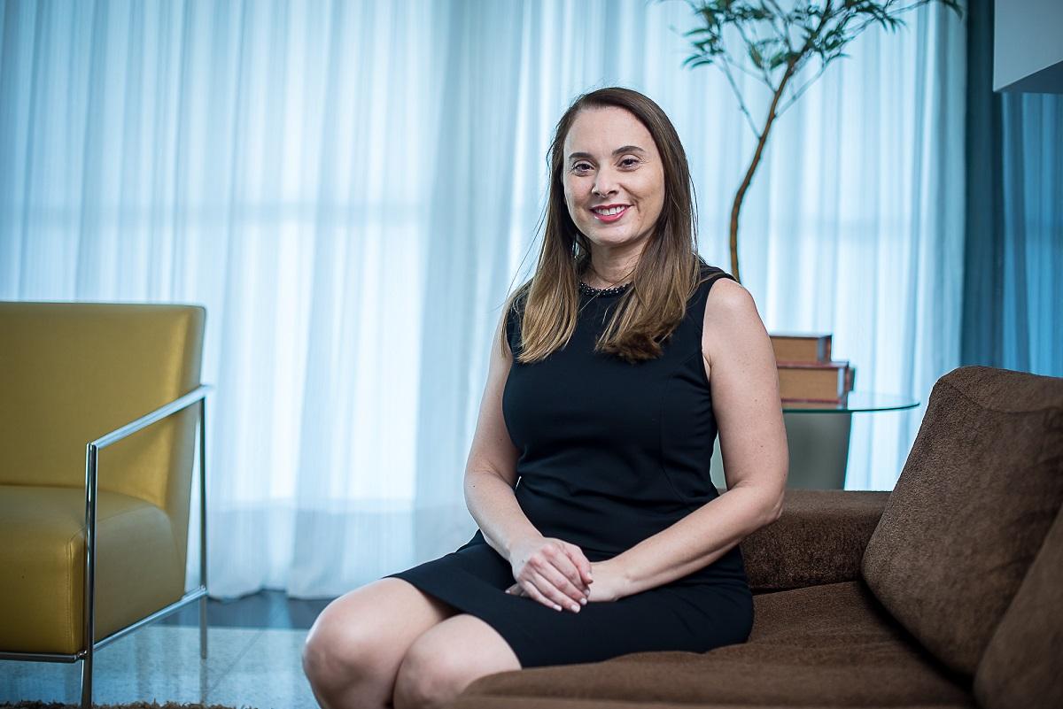 Mulheres na Ciência: Adriana Rolim coordena pesquisa sobre substituição de mamíferos em testes pré-clínicos