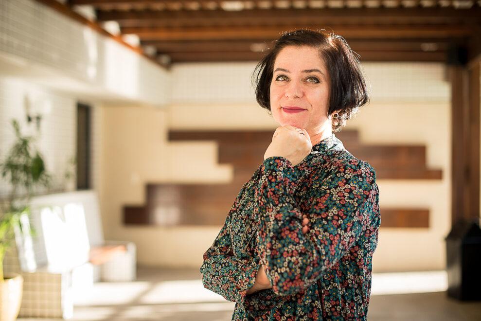 Mulheres na Ciência: Andréia Formico desenvolve programa de monitoramento de leitos e jogos sobre câncer