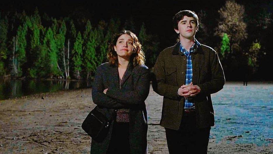 Atriz de 'The Good Doctor' namora com dono de escola de kitesurf de Jericoacoara