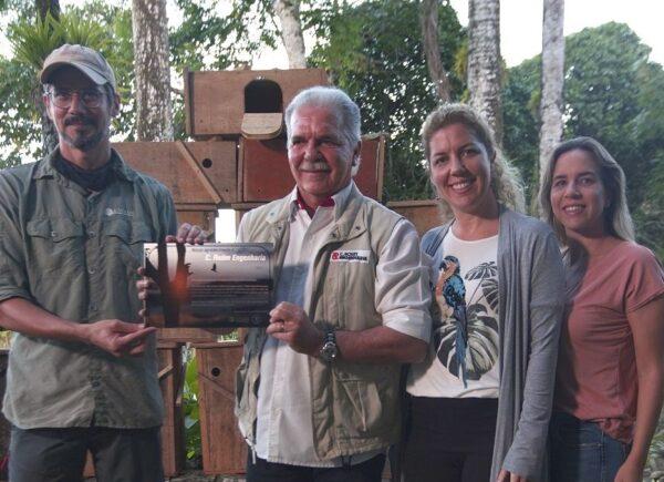 Pio Rodrigues recebe homenagem por atuar na preservação de aves em Guaramiranga