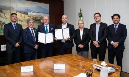 Fiec assina acordo com o Ministério da Economia para reduzir Custo Brasil