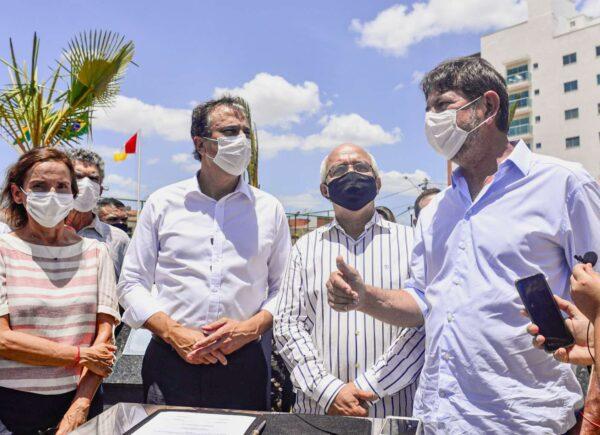 Camilo Santana assina ordem de serviço para construção da Casa da Mulher Cearense em Sobral