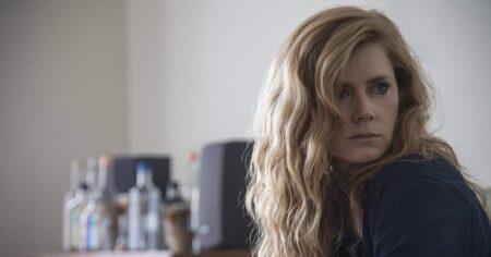 Amy Adams surpreende em trechos do novo filme da Netflix; assista ao trailer